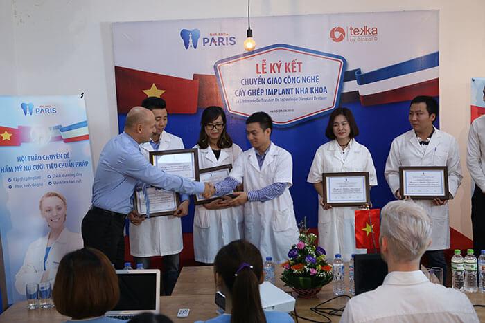 IMG_6476 Chuyên viên nha khoa Pháp trực tiếp đào tạo chuyên sâu cho đội ngũ bác sĩ tại cơ sở 6