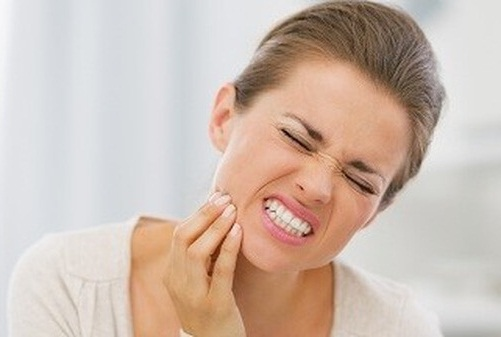 Bị đau răng hàm dưới phải làm sao? 1