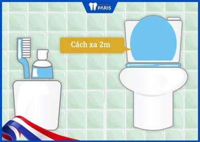 bảo quản bàn chải cách xa toilet