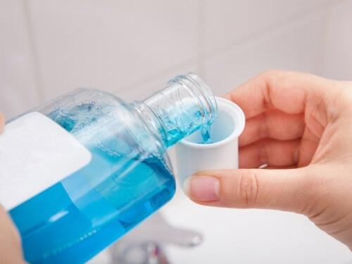 Nước súc miệng cũng cần phải sử dụng đúng cách 2