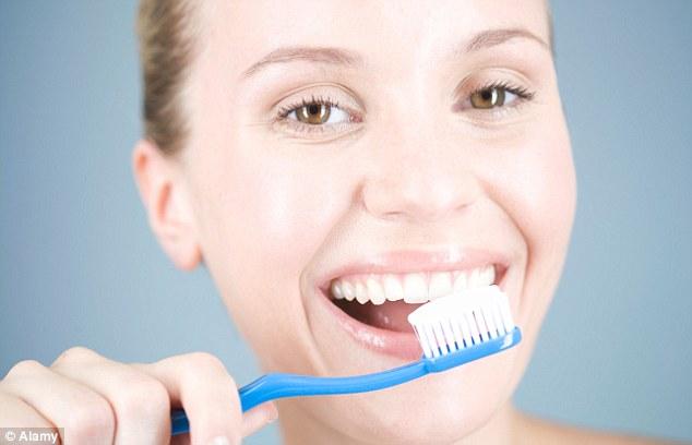 Giật mình trước tác hại của viêm chân răng 1