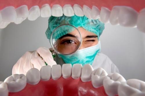 Kinh-nghiệm-làm-răng-giả-hữu-ích-không-thể-bỏ-qua-2