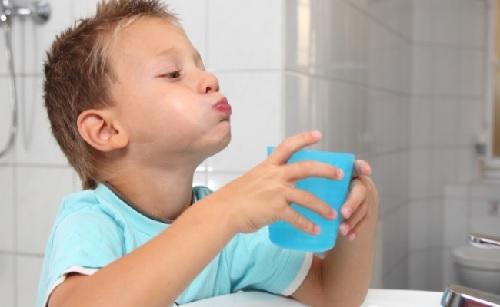 Nước súc miệng cũng cần phải sử dụng đúng cách 4