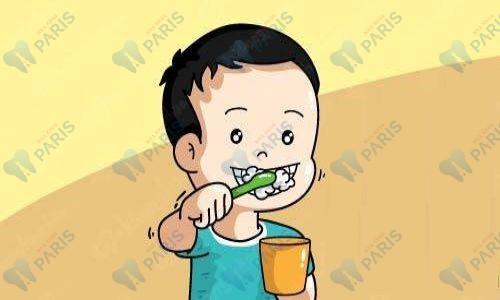 bé bị sún răng phải làm sao