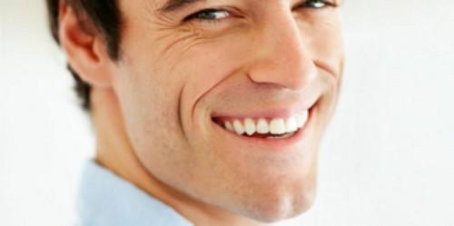 """Giải đáp: """" Có nên trồng răng sứ cho răng bị mất không?"""""""