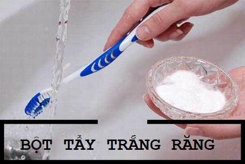 Trước khi sử dụng thuốc tẩy trắng răng dạng bột cần cách ly môi, nướu cẩn thận