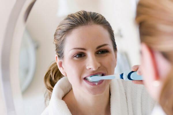 Đánh răng bao nhiêu lần trong ngày? [Chuyên gia giải đáp]