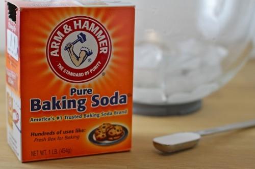 trắng răng bằng baking soda