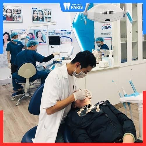 bắt con sâu răng ở nha khoa