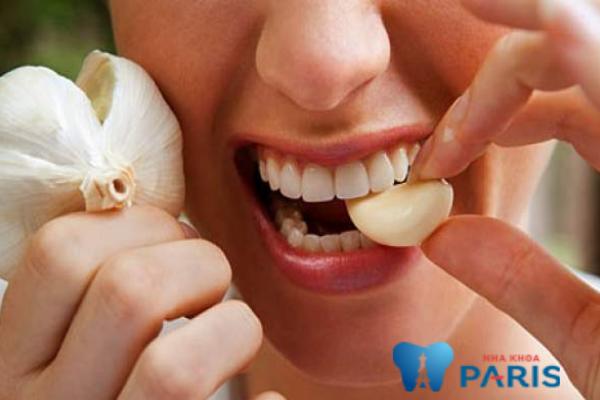Chữa đau răng bằng tỏi giảm được tình trạng viêm sưng và đau răng hiệu quả