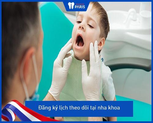 Bé mọc răng nanh trước răng cửa/ răng hàm thì phải làm sao?