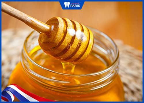 Trị hôi miệng bằng mật ong