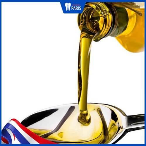 dầu oliu làm trắng răng