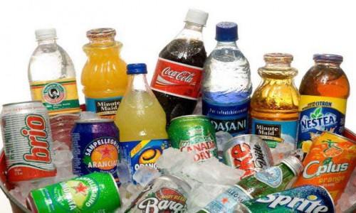 Hạn chế cho bé sử dụng đồ ngọt, nước uống có ga
