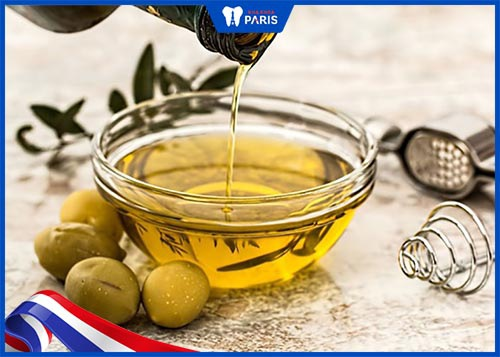 tẩy trắng răng bằng dầu oliu