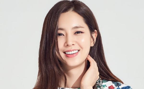 Nữ ca sĩ SeolHyun (AOA): Được đánh giá là cô gái trong mơ của cánh đàn ông Hàn Quốc