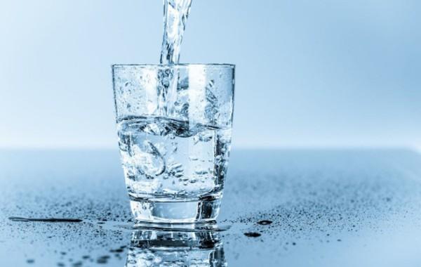 thiếu nước có thể gây sâu răng