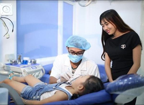 Tùy vào từng giai đoạn khác nhau mà cách chữa sâu răng ở trẻ sẽ có sự khác nhau