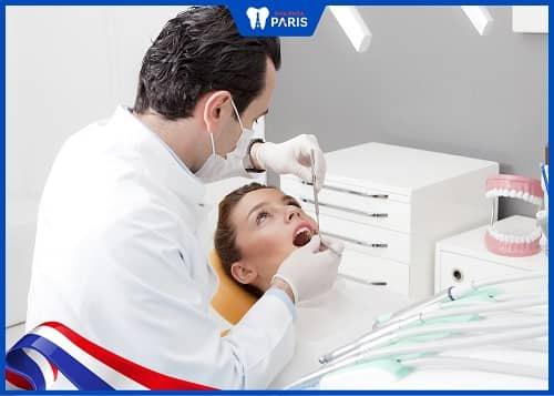 làm răng implant có nguy hiểm không