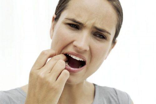 răng bị va đập mạnh