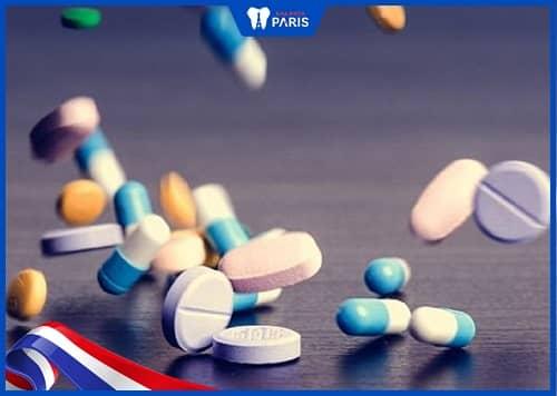 uống thuốc giảm đau khi đặt chun tách kẽ