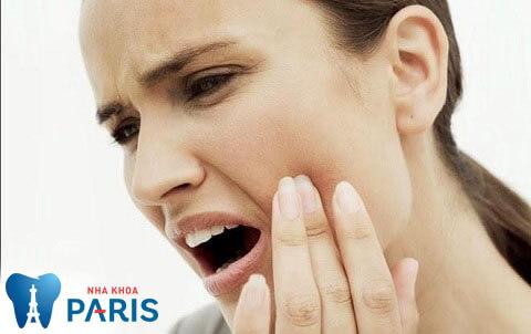 biến chứng nhổ răng số 8
