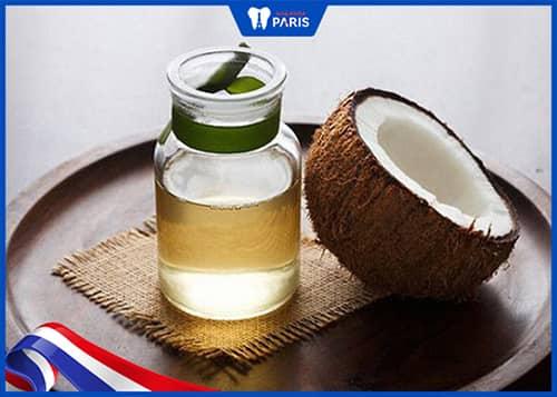 Làm thế nào để hết hôi miệng với dầu dừa