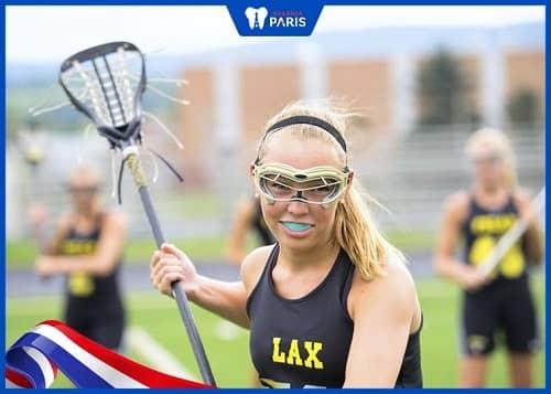 đồ bảo vệ răng khi chơi thể thao