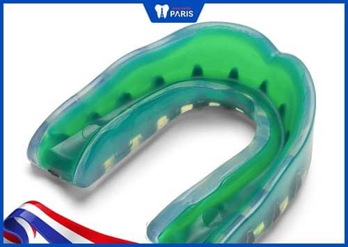 dụng cụ bảo vệ răng làm sẵn
