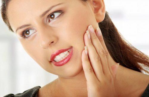 ngủ nghiến răng là khổ