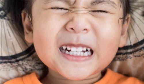 đau hàm khi nhai