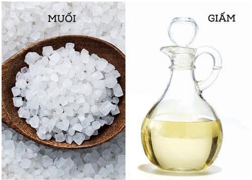 Hỗn hợp muối và giấm