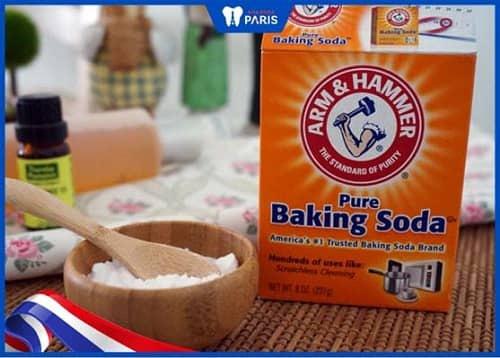 lấy cao răng đen bằng baking soda
