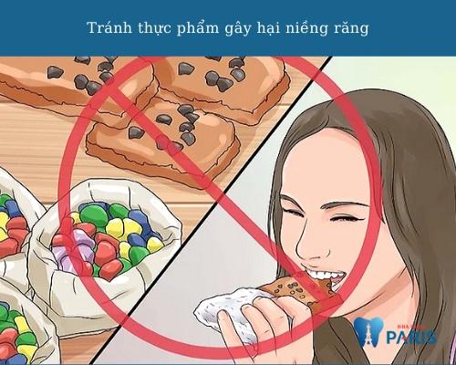 Tránh thực phẩm gây hại cho thiết bị niềng khi đi máy bay
