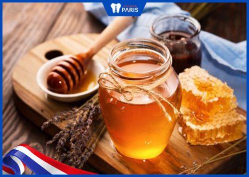 Vì sao mật ong có tác dụng tẩy trắng?