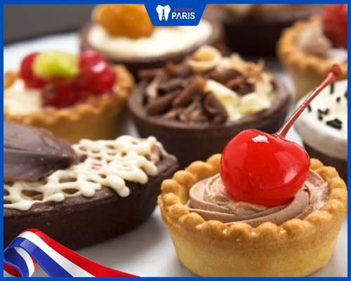 Hạn chế ăn đồ ngọt để tránh sâu răng