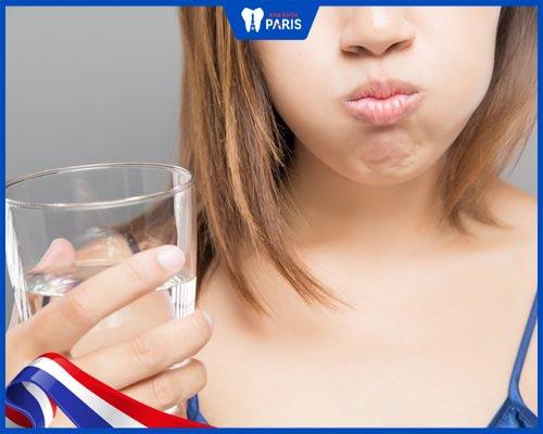 cách chữa ê buốt răng sau khi tẩy trắng
