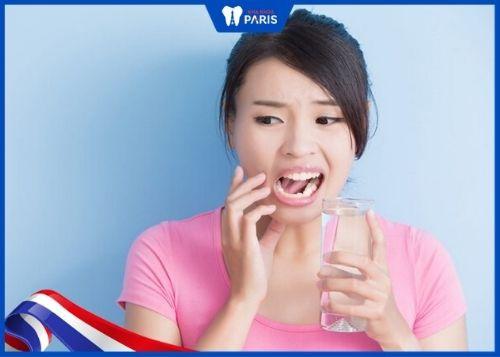 cách làm sạch cao răng bằng muối