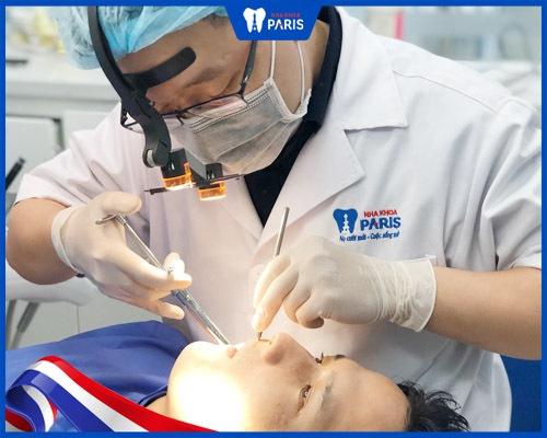 lắp răng sứ có đau nhức không