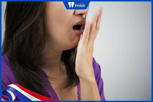 không lấy cao răng có thể gây hôi miệng