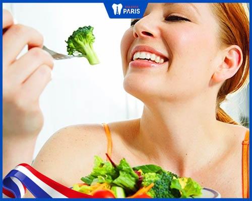 Sau khi lấy cao răng nên ăn gì?