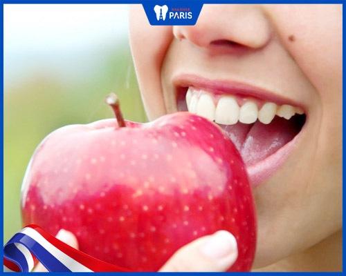 Bọc răng sứ hô vẩu có độ bền cao, ăn nhai như răng thật