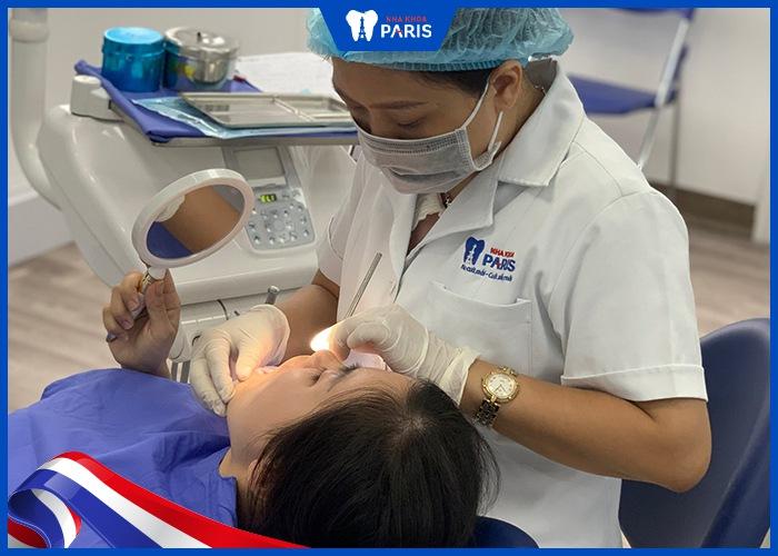 chữa răng sứ bị đen viền