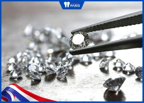 đính đá kim cương vào răng