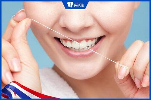 vệ sinh răng sứ như thế nào