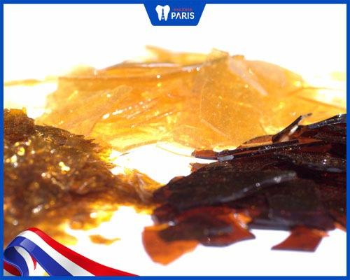 Nguyên liệu nhựa cánh kiến nhuộm răng