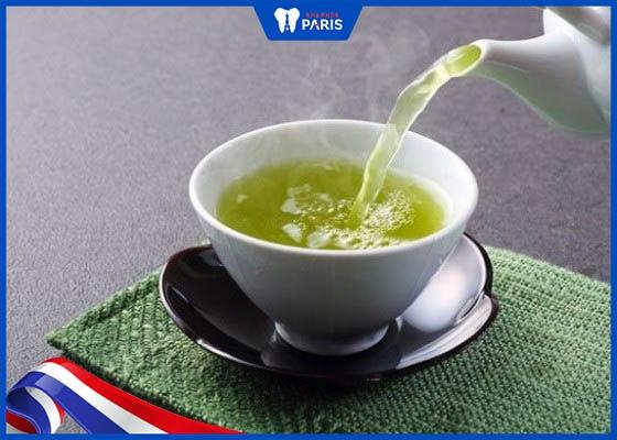 muốn trắng răng không nên sử dụng trà xanh