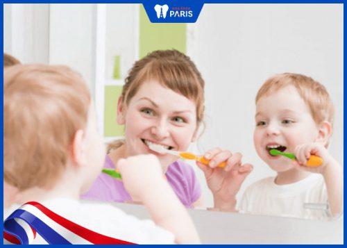 trẻ em có nên trám răng không