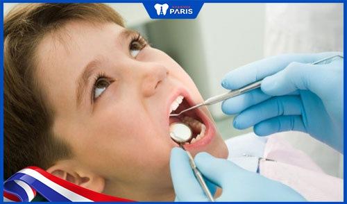 trám răng trẻ em