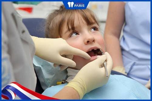Điều trị sâu răng cho trẻ